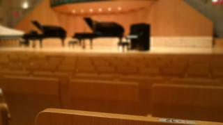 コンサートホールのピアノ