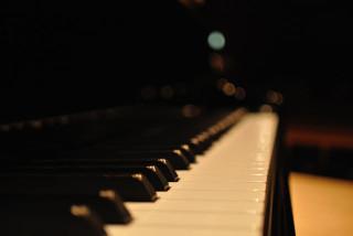 舞台のピアノ